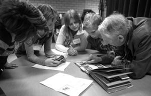 Kinderen groep 8 in gesprek met Ton van Sonderen